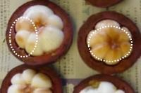 マンゴスチンの果肉の褐色の染み
