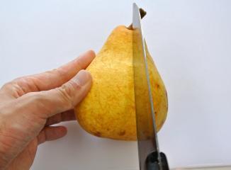 西洋梨の切り方1