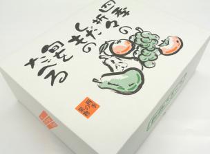 果物詰め合わせの福袋の箱外観1