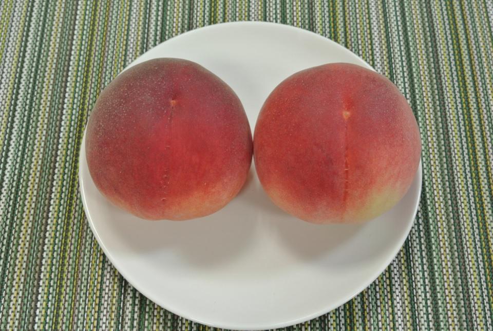 桃 2個(皿)